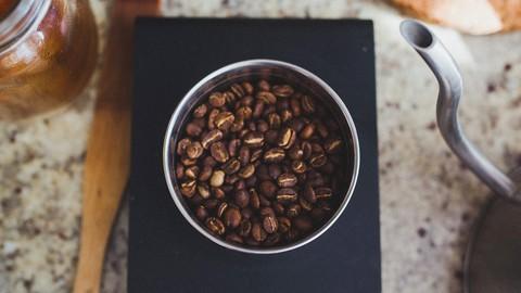 コーヒーではなく珈琲。独自スタイルのカフェは人気も高く、味わい深さが魅力。ウェブサイトの画像軽量化で、もっとページが快適になる